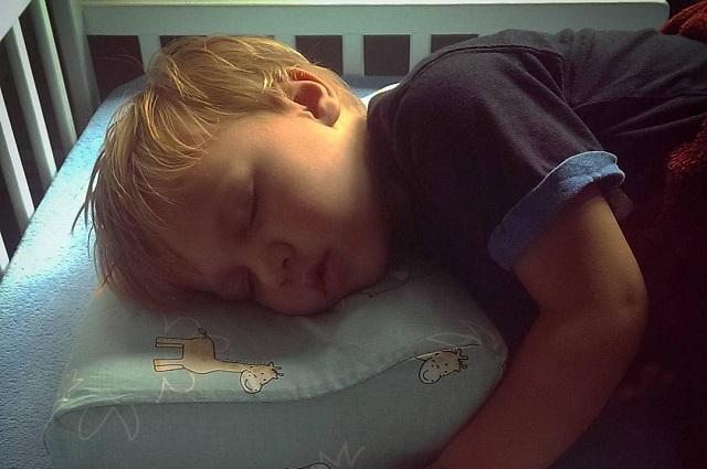 Czym kierować się przy wyborze poduszki dla dziecka?