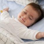 Poduszki w życiu niemowlaka
